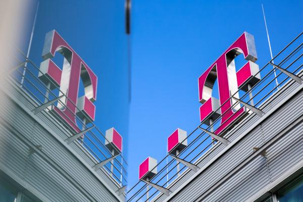Megint pénzt húznak le a Telekom nevében